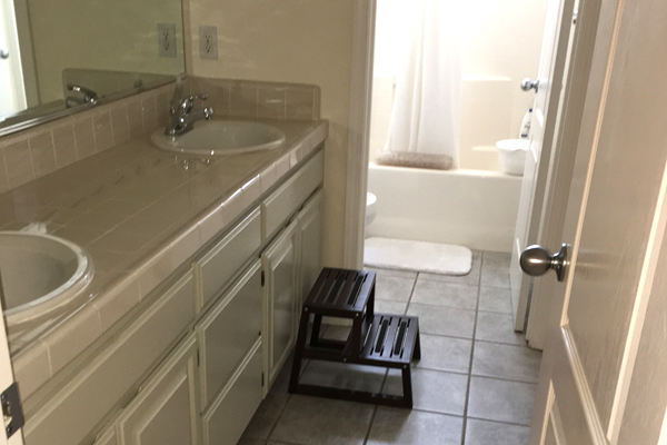 Silvas House Cleaning Services Napa - Home bathroom cleaning service